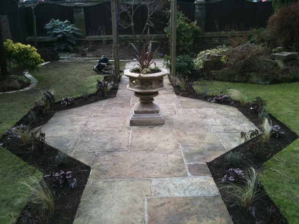 Traditional or Formal Gardens