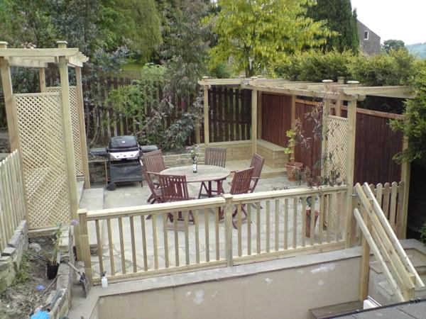 Contemporary Garden with Terrace